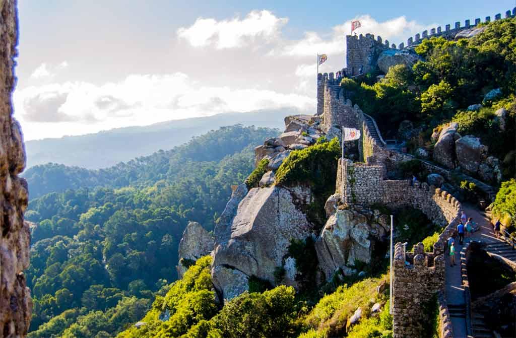 Как я могу получить Золотую визу Португалии?